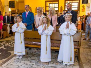 Pierwsza Komunia Święta w parafii 13