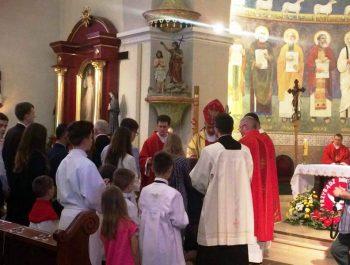 Bierzmowanie młodzieży z naszej parafii 16
