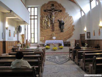 Parafialna adoracja Najświętszego Sakramentu 4