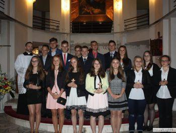 Bierzmowanie młodzieży z naszej parafii 40