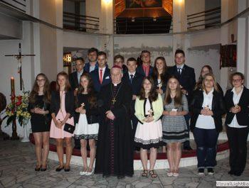 Bierzmowanie młodzieży z naszej parafii 41