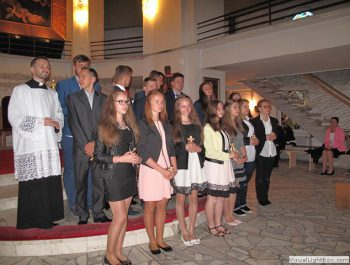 Bierzmowanie młodzieży z naszej parafii 46