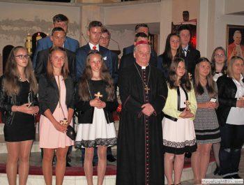 Bierzmowanie młodzieży z naszej parafii 48