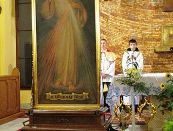 Nawiedzenie obrazu Jezusa Miłosiernego i relikwii św. Jana Pawła II i św. s. Faustyny 18