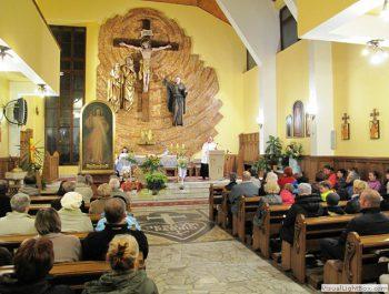Nawiedzenie obrazu Jezusa Miłosiernego i relikwii św. Jana Pawła II i św. s. Faustyny 19
