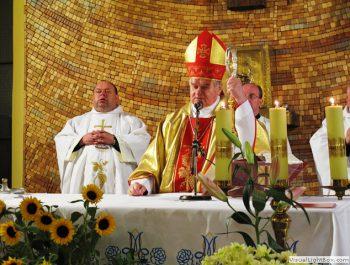 Nawiedzenie obrazu Jezusa Miłosiernego i relikwii św. Jana Pawła II i św. s. Faustyny 34