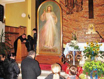 Nawiedzenie obrazu Jezusa Miłosiernego i relikwii św. Jana Pawła II i św. s. Faustyny 35