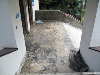 Ciąg dalszy prac remontowych schodów do kościoła 1