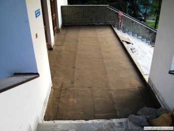 Ciąg dalszy prac remontowych schodów do kościoła 8
