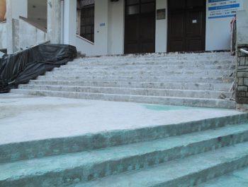 Wznowiono prace remontowe schodów do kościoła 7
