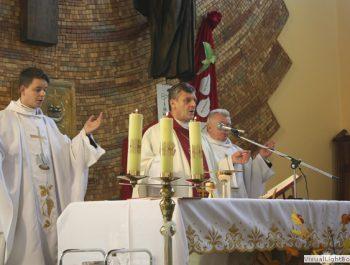Wizytacja kanoniczna Ks. Biskupa i bierzmowanie młodzieży Biskupa 30