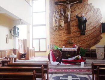 Kolejna praca remontowa za nami … Witraże w prezbiterium 1