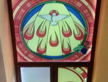 Kolejna praca remontowa za nami … Witraże w prezbiterium 9